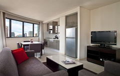Huwelijksreis Meriton Serviced Apartments – Kent Street Honeymoon