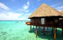 Huwelijksreis malediven in een een water vlla - bungalow op palen in de zee