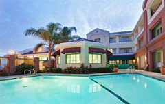 Huwelijksreis Holiday Inn Express Hotel & Suites-San Jose Int'l Airport Ala Juela honeymoon
