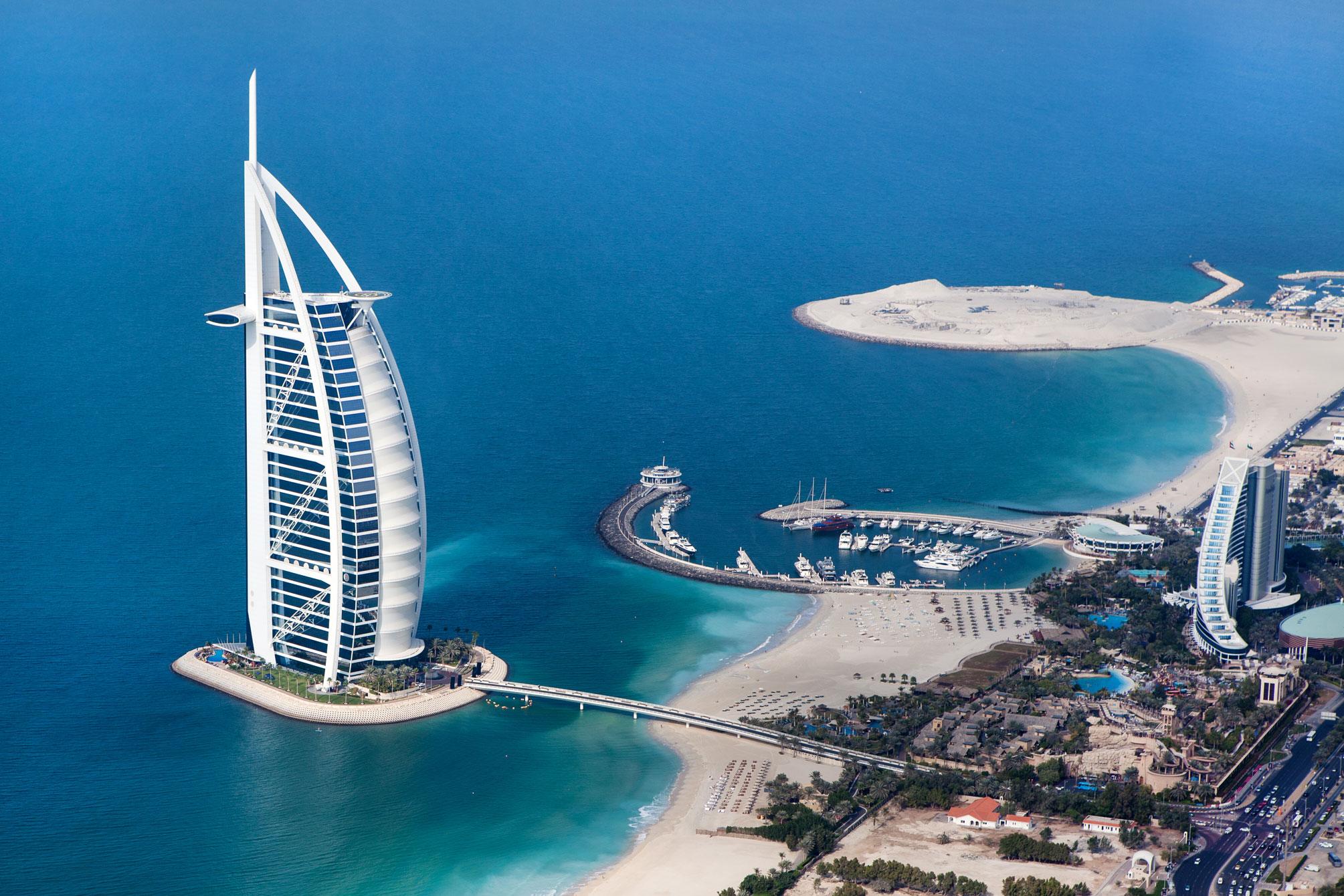 Burj Khalifa en het strand van Dubai