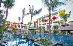 Het prachtige resort en zwembad